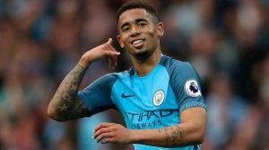 Gabriel Jesus faz mais um, dá assistência, e City encaminha vaga na Champions