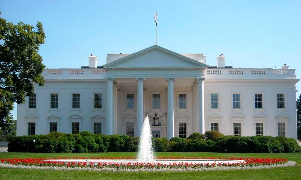 Casa Branca é fechada às pressas após homem tentar escalar cerca