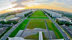 Trânsito na Esplanada dos Ministérios será interrompido a 0h para manifestação popular