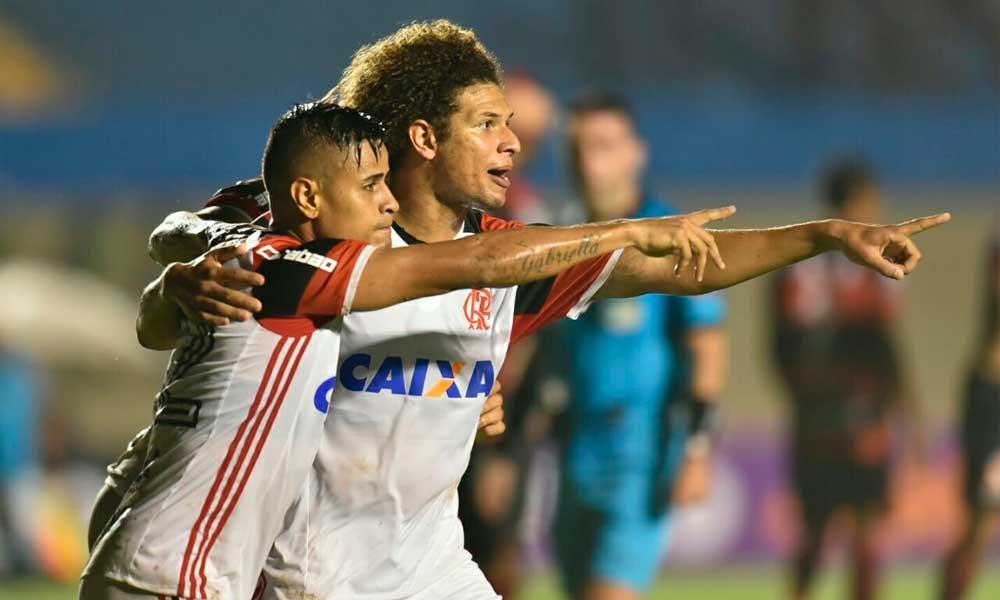 Flamengo reage após eliminação e vence fácil o Atlético-GO pelo Brasileirão
