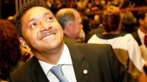 Câmara aprova projeto de Tiririca que inclui atividades circenses na Lei Rouanet