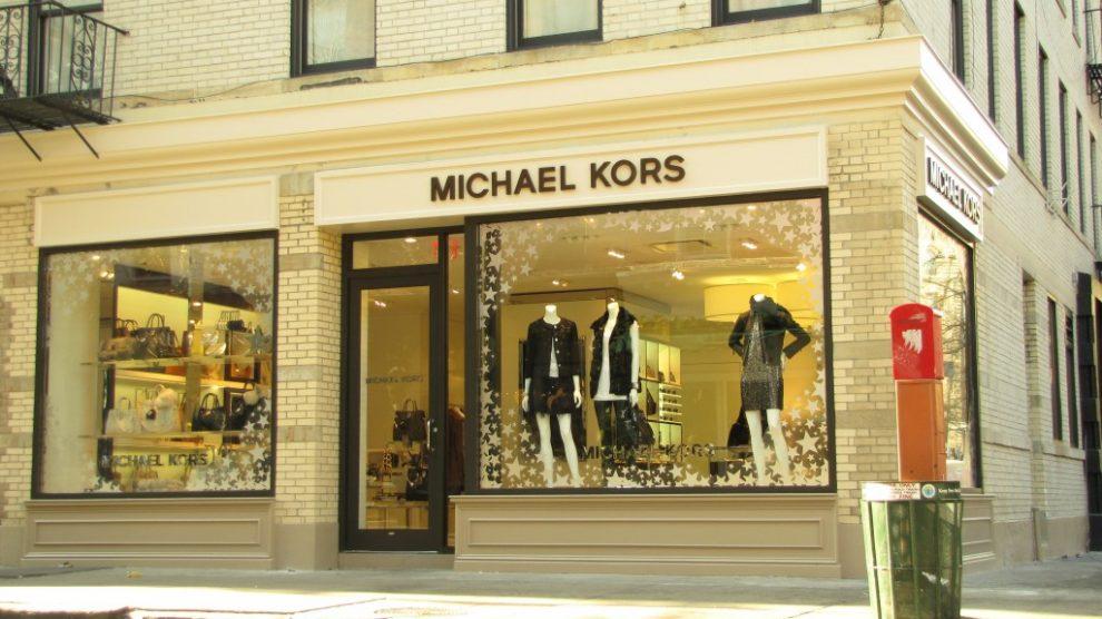 Michael Kors conclui compra da Versace e muda de nome   Brasília de Fato b853b0c863