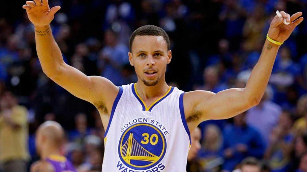Curry renova com Warriors e se torna o mais bem pago da história da NBA