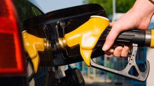 Preço da gasolina sobe mais de 8% na primeira semana após alta de impostos, diz ANP