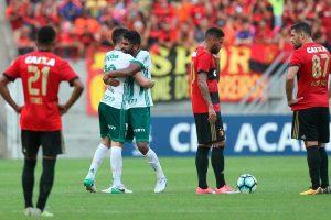 Palmeiras supera desfalques, aproveita erros do Sport e vence fora de casa