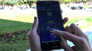 Desconto para multas pagas via aplicativo é estendido a todas as ruas de Brasília