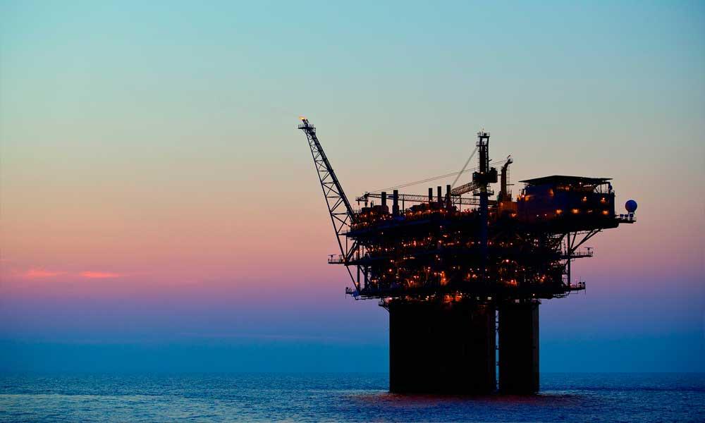 Petrobras está alerta a projeções de queda na demanda por petróleo, diz Parente
