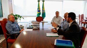 Temer reúne ministros da Fazenda e do Plenejamento no Planalto