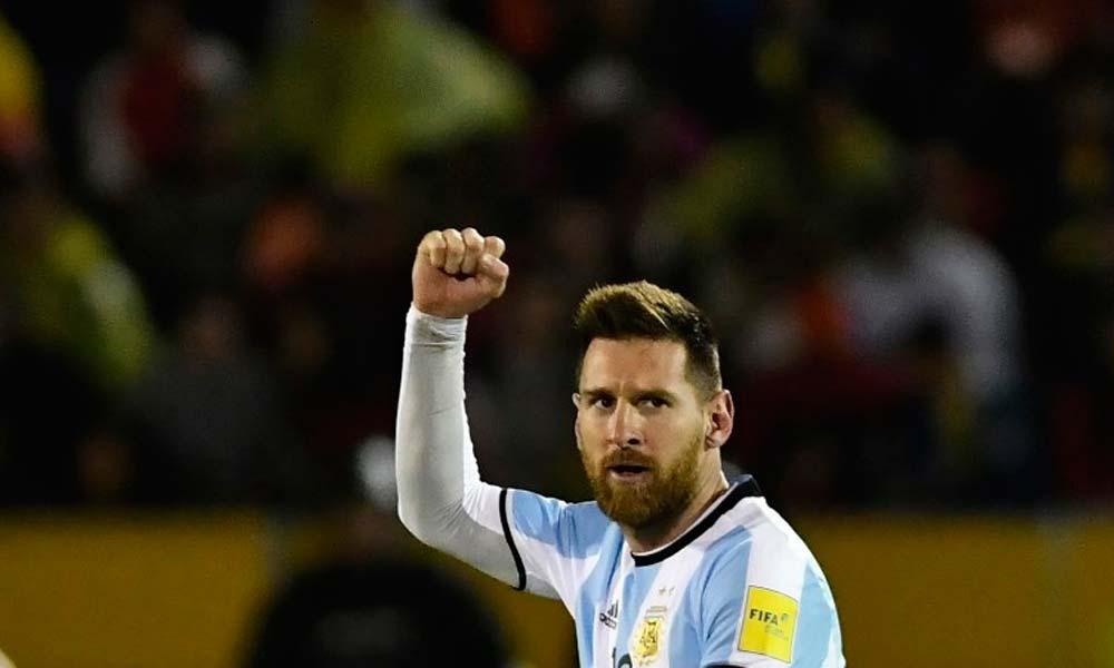 Messi faz três gols, Argentina vence Equador e vai à Rússia
