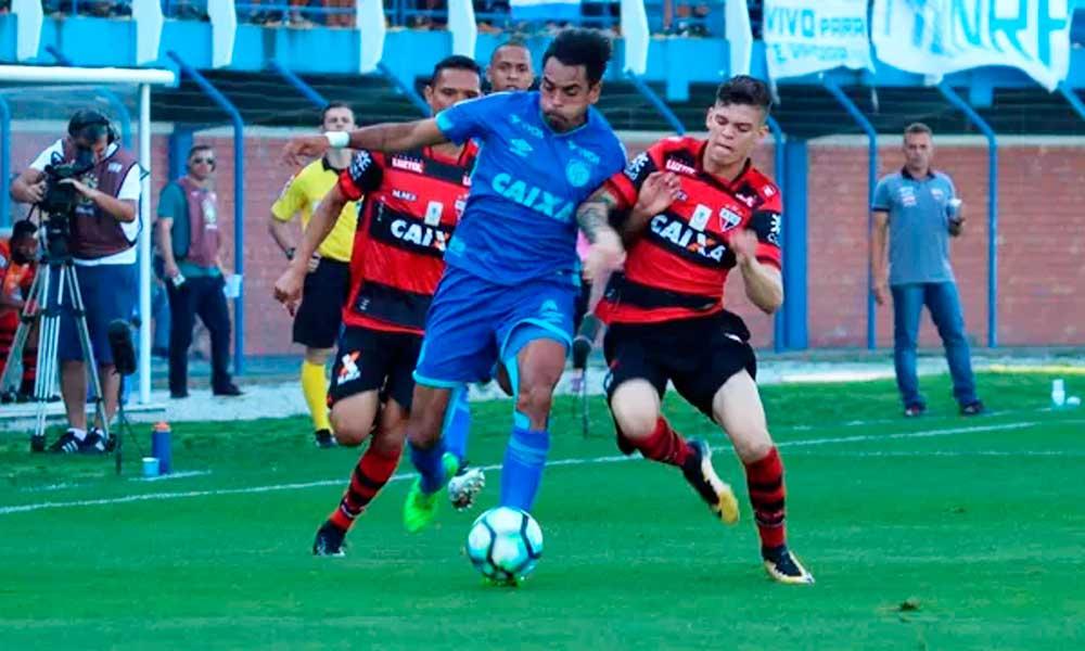 Atlético-GO vence na Ressacada e acaba com série invicta do Avaí
