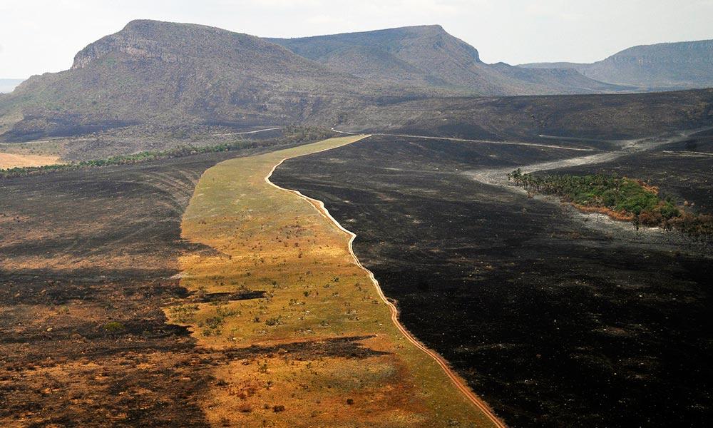 Incêndio no Parque Nacional da Chapada dos Veadeiros é controlado
