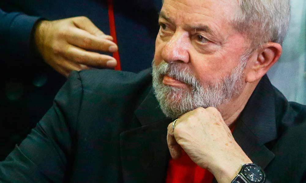 Moro pede originais de recibos de Lula