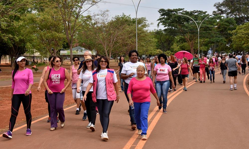 Caminhada no Parque da Cidade encerra programação do Outubro Rosa