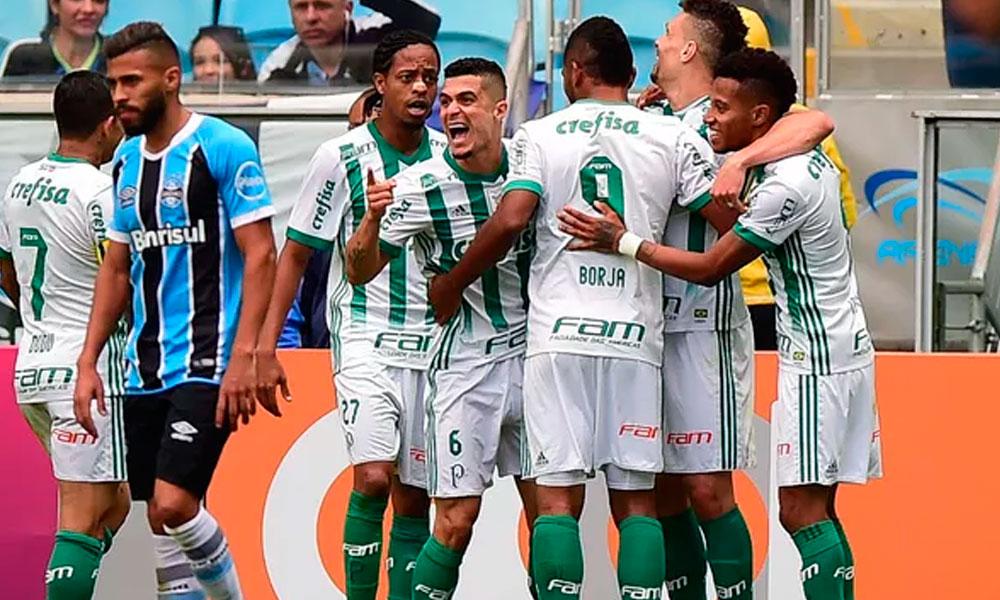 Palmeiras vence Grêmio e pula para segundo