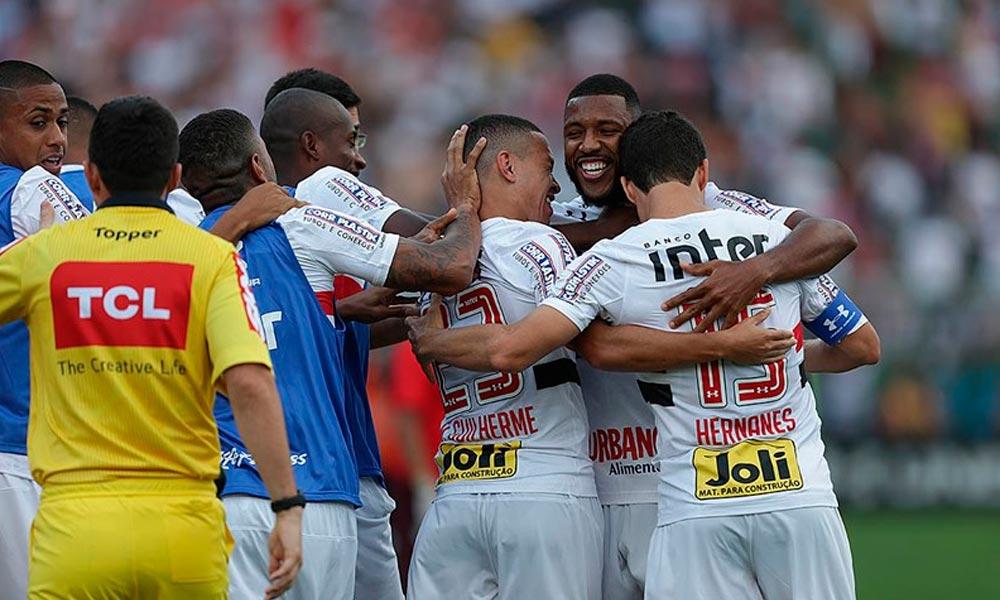 São Paulo vence o Santos e se distancia do Z-4