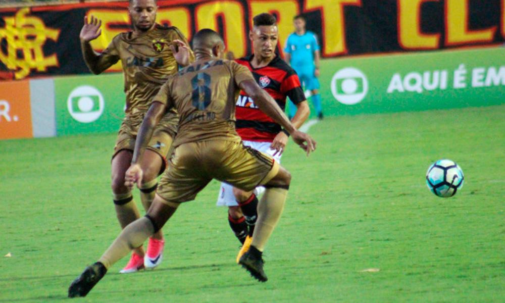 Sport ganha do Vitória em Salvador, quebra jejum de nove jogos e deixa a degola