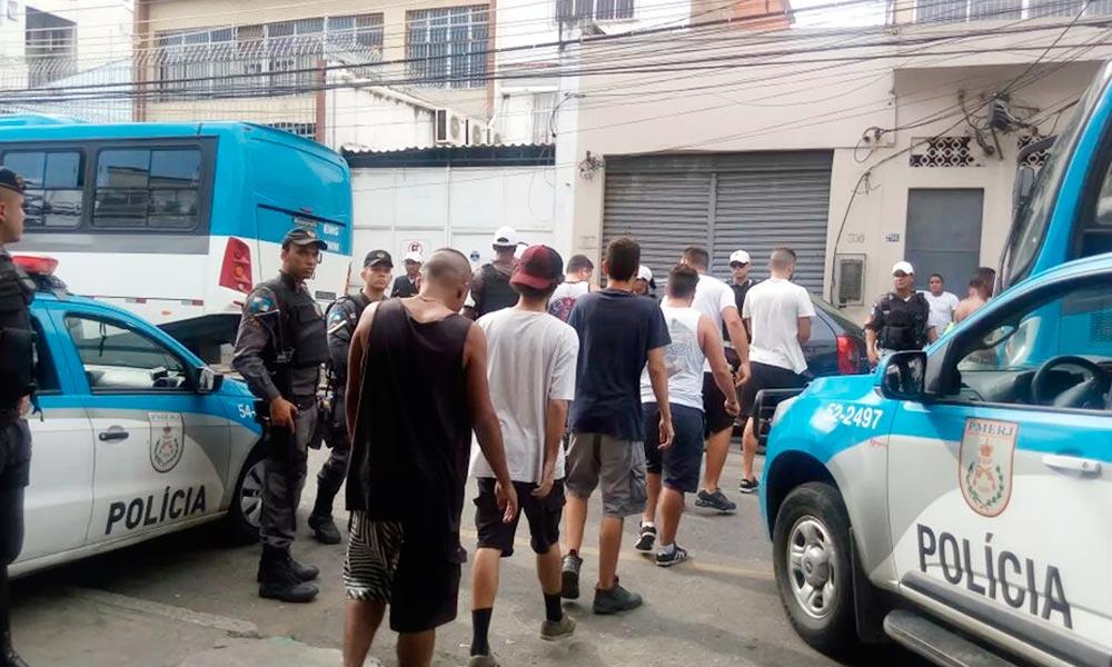 77 vascaínos são detidos antes de clássico no Rio