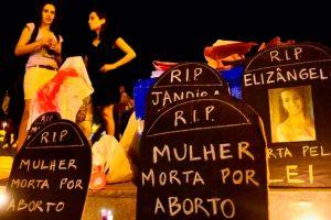Deputados voltam a discutir PEC que pode vetar aborto em caso de estupro