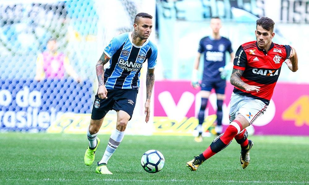 Grêmio bate o Flamengo de virada e é 3º na tabela