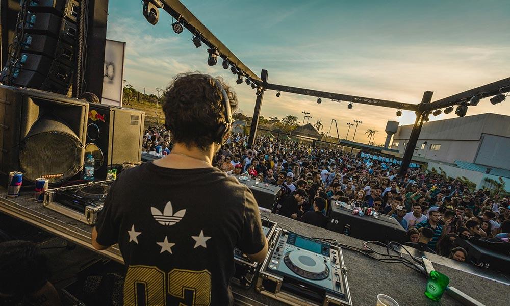 Entre os melhores DJ's do mundo, Lee Foss agita a última My House do ano