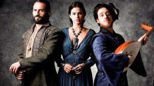 Autor de 'Deus Salve o Rei' opina sobre comparação com 'Game of Thrones': 'Nada específico'