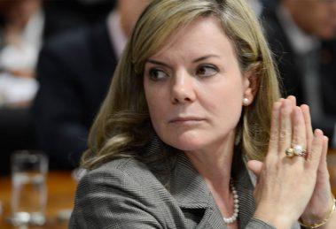 Petrobras: Gleisi e mais 2 têm de devolver R$ 1 mi