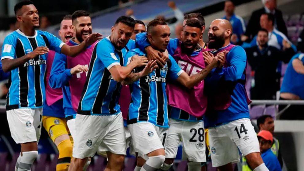 Léo Moura e Kannemann reforçam time reserva do Grêmio diante do Sport.  26 10 2018 15 24. Que sufoco! Grêmio vence Pachuca na prorrogação e vai à  final 1cd460ca5f384