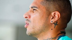 Fifa suspende Guerrero por um ano