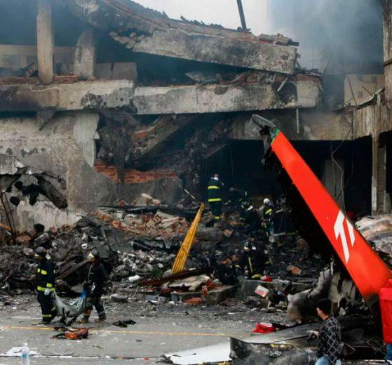 Parentes de mortos em acidente da TAM fecham acordo de R$ 30 milhões com Airbus