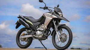 Honda apresenta XRE 300 2018 para consolidar liderança no segmento trail
