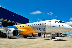 Governo federal não venderá controle da Embraer à Boeing, diz ministro