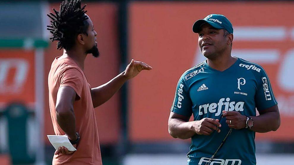 """Agora """"Seu José"""", Zé Roberto dá primeiros passos como cartola no Palmeiras"""