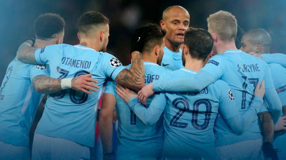 City goleia Basel fora e coloca um pé nas quartas da Champions