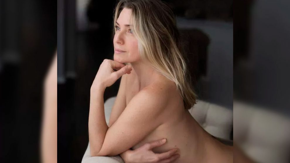 Leticia Spiller posa nua em foto na web: 'Manhã de carnaval'