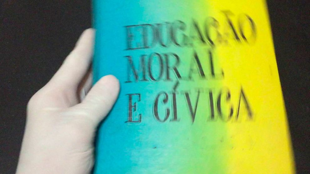 Resultado de imagem para educação moral e civica