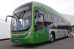 Brasília recebe primeiro ônibus 100% elétrico
