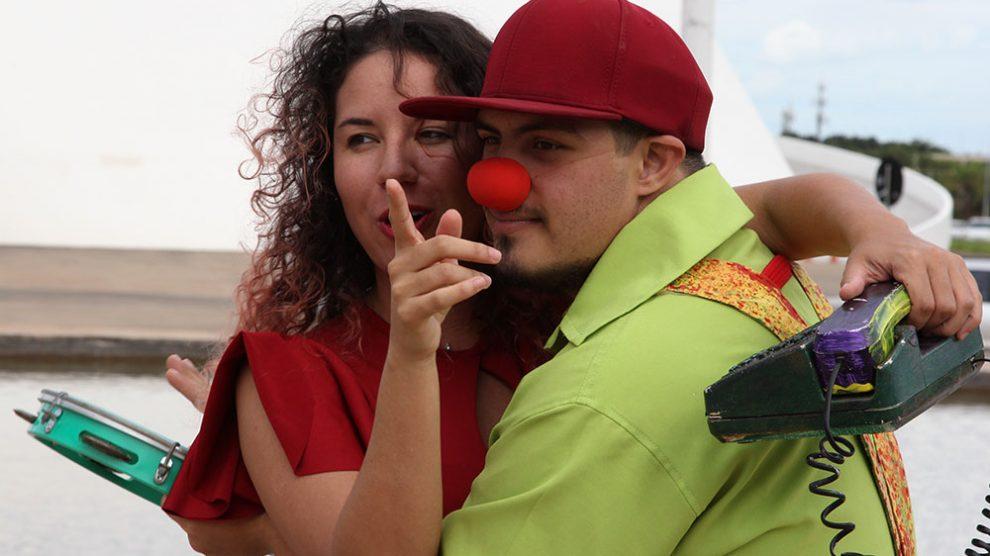 Peça faz homenagem ao Dia Internacional da Síndrome de Down e ao Dia Mundial do Teatro