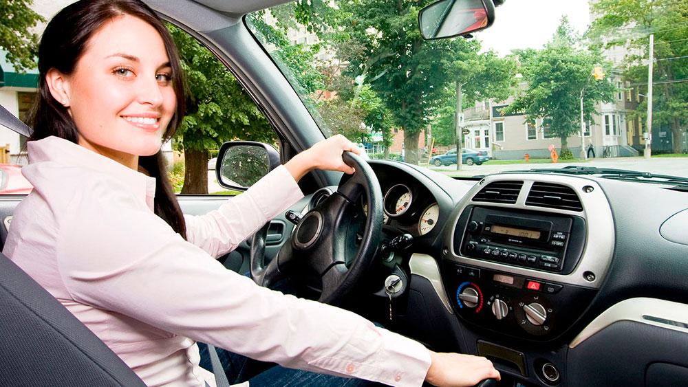 Aplicativo de transporte exclusivo para mulheres é lançado no DF