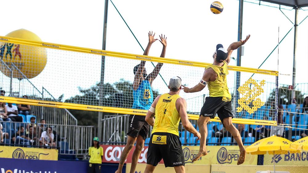 Super Praia: Brasilienses largam bem em casa no naipe masculino e avançam à fase eliminatória