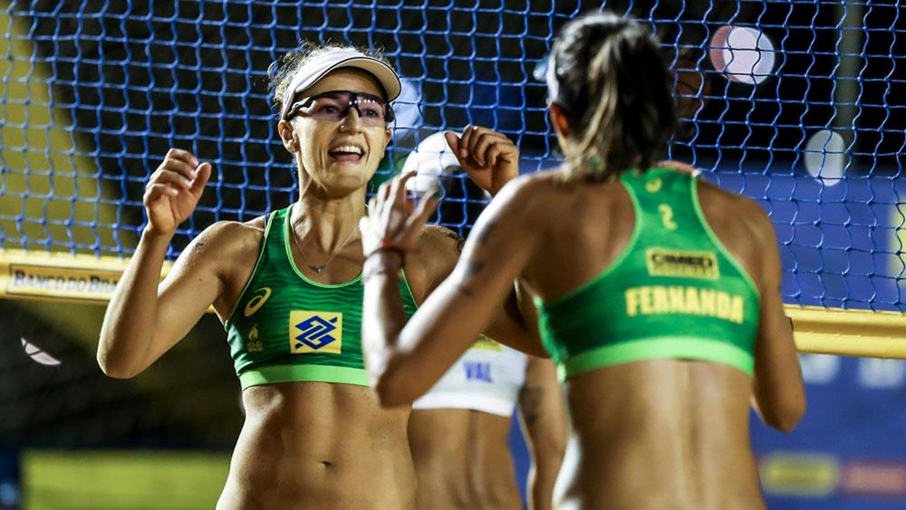 Super Praia: Semifinais do torneio feminino são definidas em Brasília com duelo de antigas campeãs