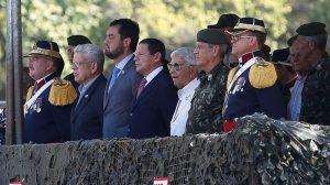 O presidente da República em exercício, general Hamilton Mourão, assiste à transmissão de comando do 2o Regimento de Cavalaria de Guarda. Foto: Tânia Rêgo/Agência Brasil