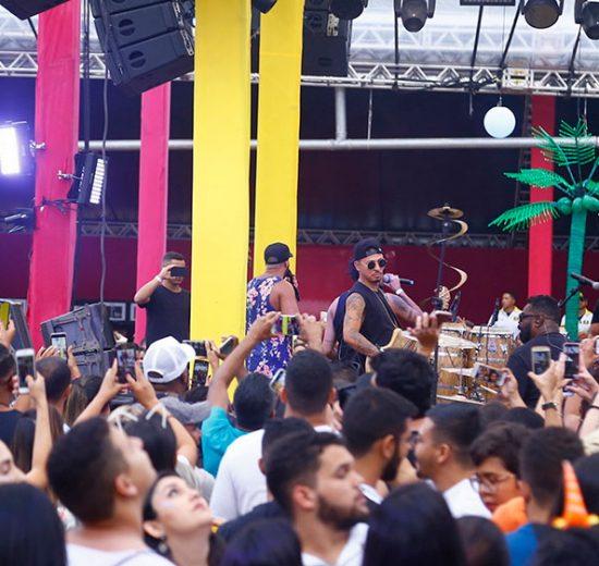 """Turma de Pagode e Belo incendeiam o """"Um sonho de Carnaval"""" na Concha Acústica do Lago"""