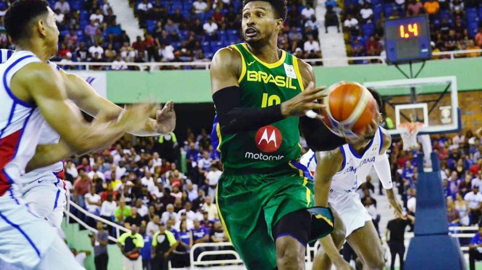 Resultado de imagem para Com vaga garantida no Mundial de basquete, Brasil vence República Dominicana