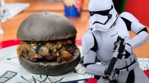 Dólar Furado Burger realiza 1º Baconmix Geek Day neste domingo (17)