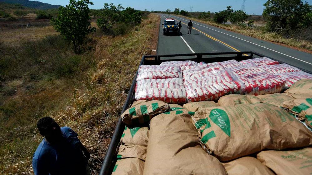 Carros com ajuda humanitária retornam a Pacaraima, diz governo